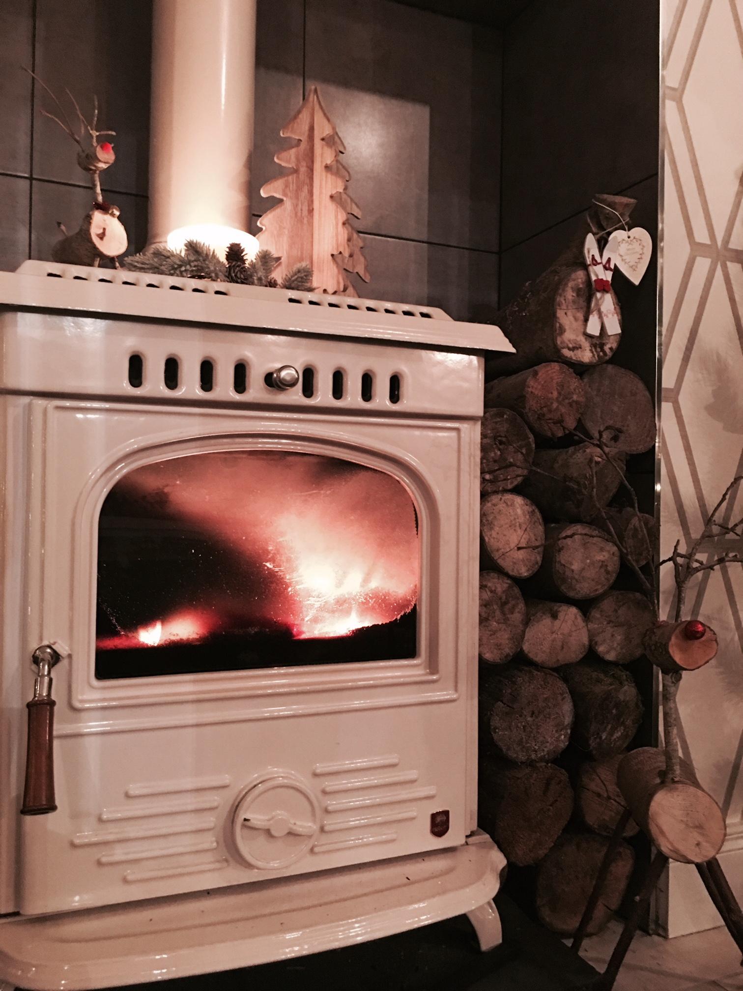 Christmas fire.jpg