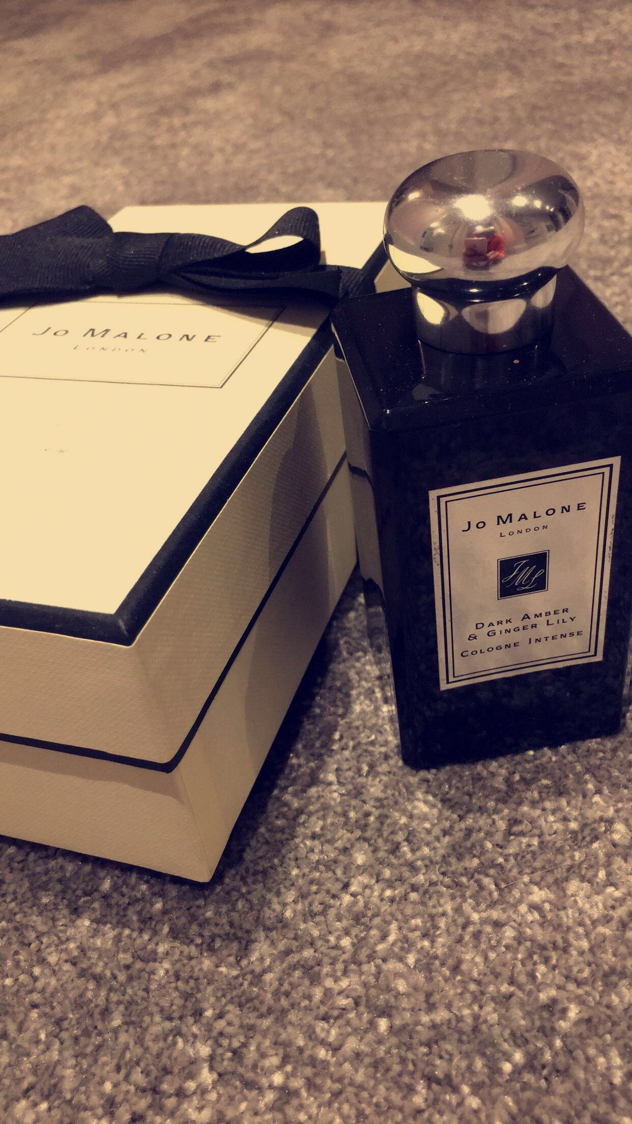 jo-malone-dark-amber-and-ginger-lily