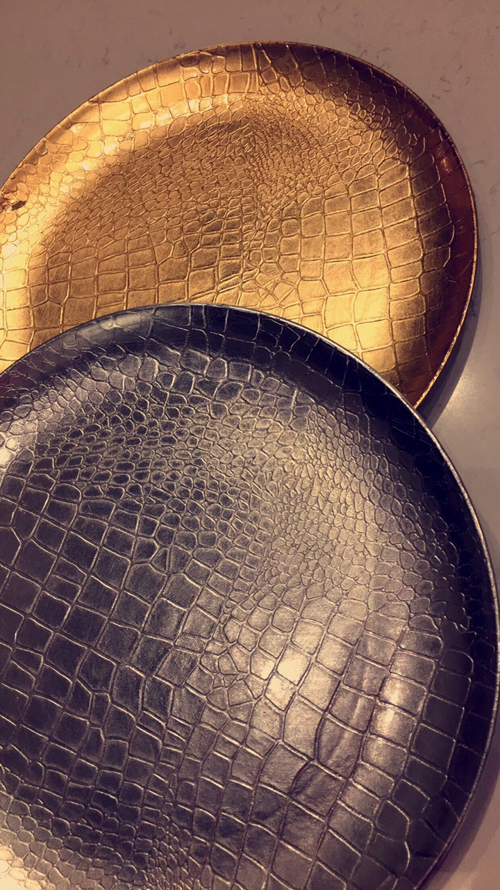 serving-dishes-gold-and-black