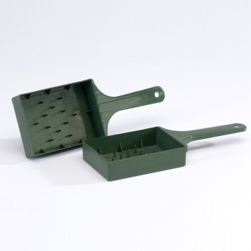 spray tray with handle.jpg